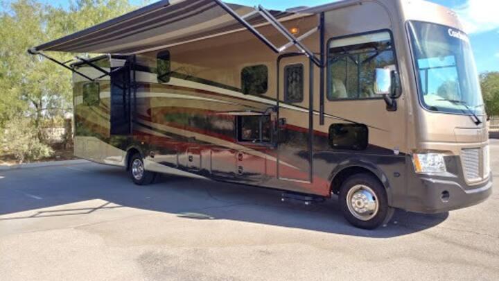 Luxury RV Rental In Tucson