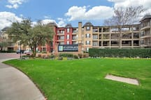 ★★Placed in the heart of Dallas Uptown/Downtown ★★