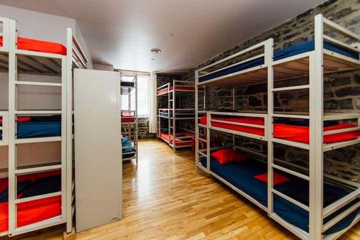 1 BED in 15 mixeded Dormitory