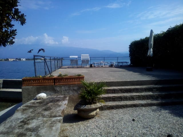 Lake Garda on water private access - Toscolano Maderno - House