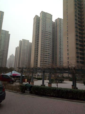 万达广场南侧,安阳东区商业中心地带