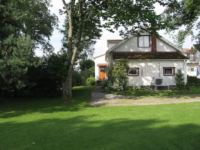 Vesteby HUS - fräscht hus på landet