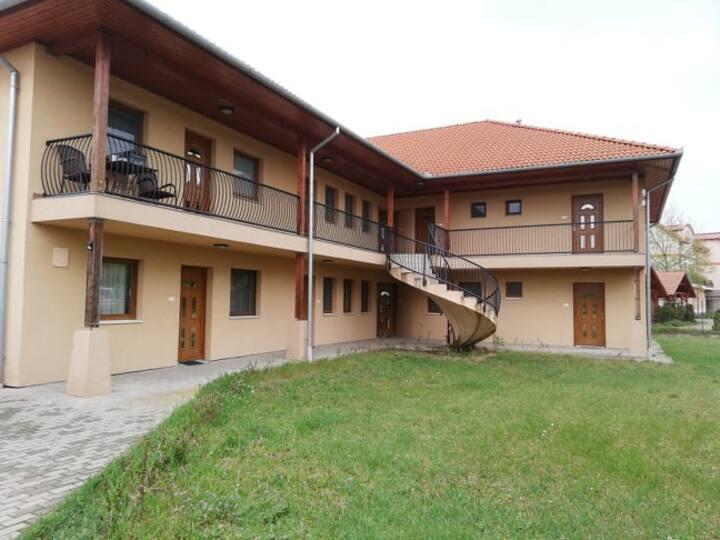 Apartman Garden Cserkeszőlő  Fürdő és Gyógyászat
