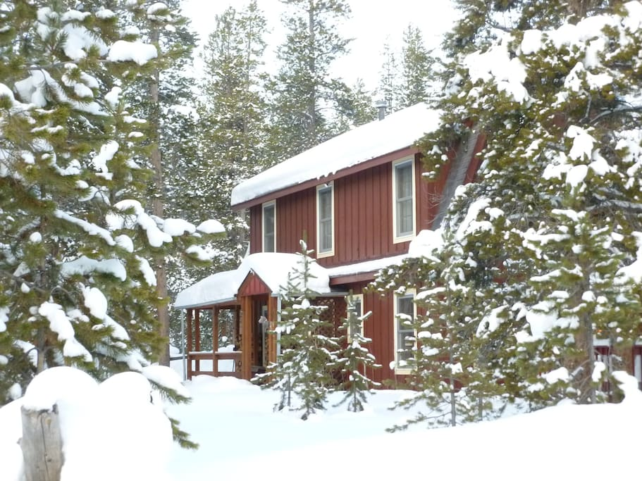 2 bdrm mtn cabin on private lake cabins for rent in for Grand lake colorado cabin rentals