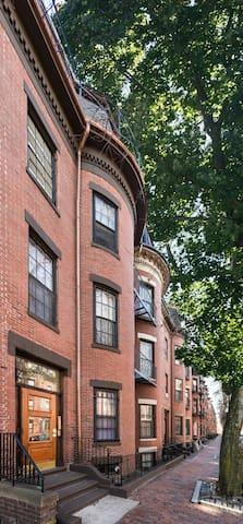 102 Chandler Street Apartment 9