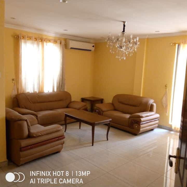 FULLY FURNISHED 1 BEDROOM AND HALL APART TO LET
