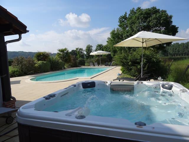 A luxurious 4* tourism Gite, Spa, Salt Water Pool.