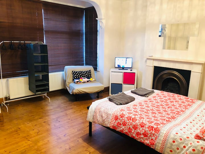 Amazing flat in heart of Leigh on sea