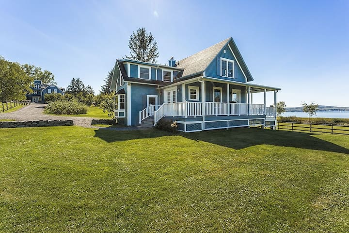 Lovely Lac-Brome Lakefront Cottage - Knowlton