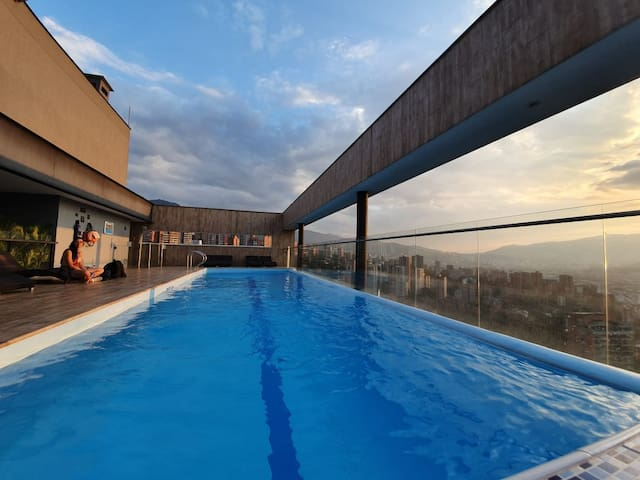 Poblado-ENERGY/JACUZZI/Double Balcony /City View