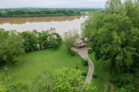 Relaxing River House Retreat-Sleeps 10-12
