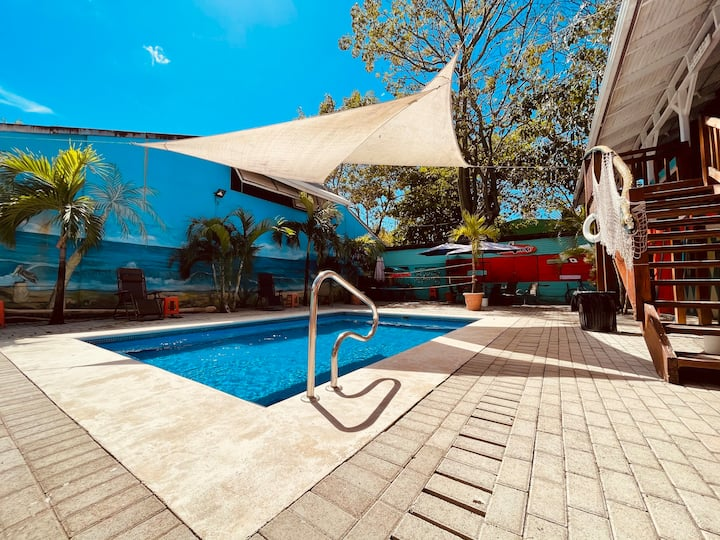 One-minute from beach | 4-beds Room sin A/C (61)