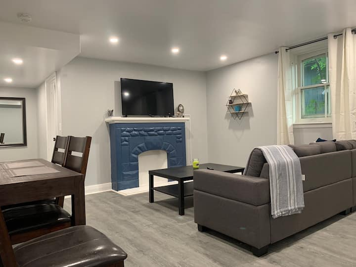 Modern downtown living heritage - Basement suite