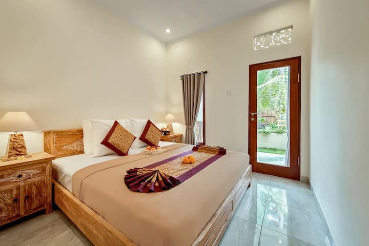 1 Minute To Pyramid Of Chi  Ditha's Guesthouse