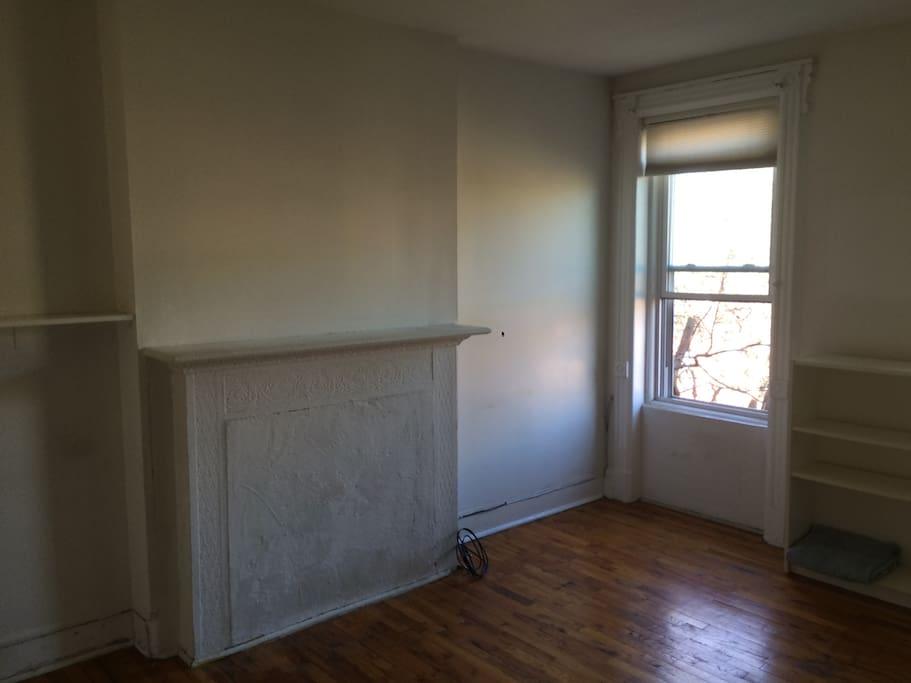 Pre-furnished room