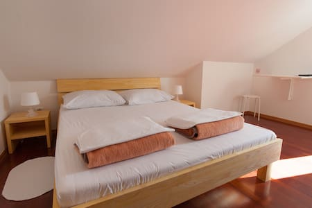 CUTE ROOM 6 IN ATTIC - Punat - Bed & Breakfast