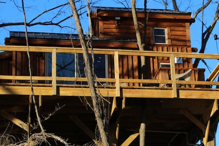 Rocky River Cotton Treehouse - Norwood - Boomhut