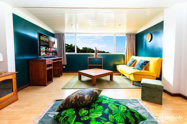 ☼ The SeaFront Duplex Apt in Papeete – w/Netflix ☼