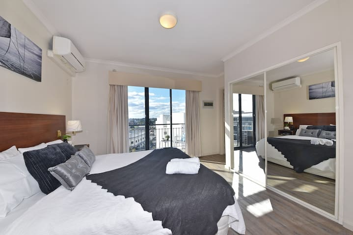 Inner Perth City 1X1 Apartment on Great Location
