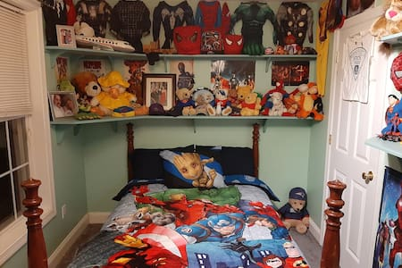 Giovanni's Superhero Room