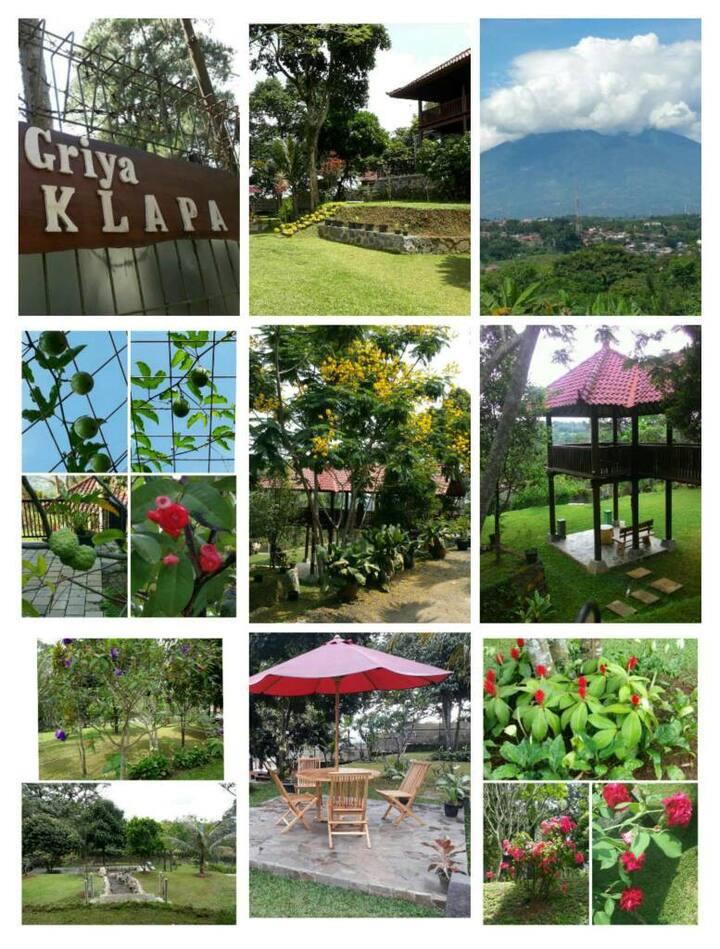 GRIYA KLAPA - A Beautiful & Relaxing Family Villa
