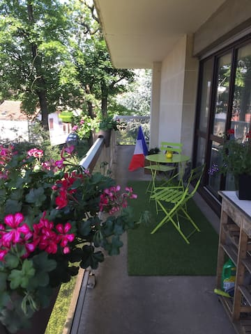 Brunoy - Beautiful private room with balcony -wifi