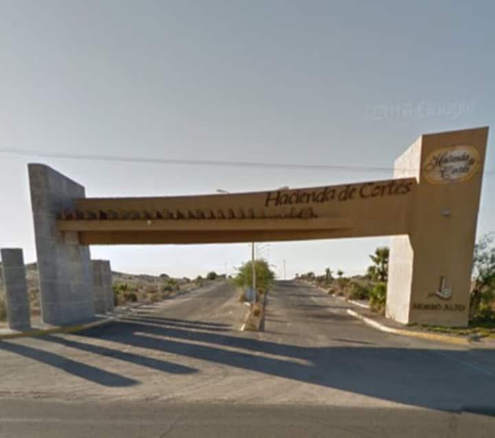 Tu casa en el desierto para 6 pax. (4 adl y 2 mnr)