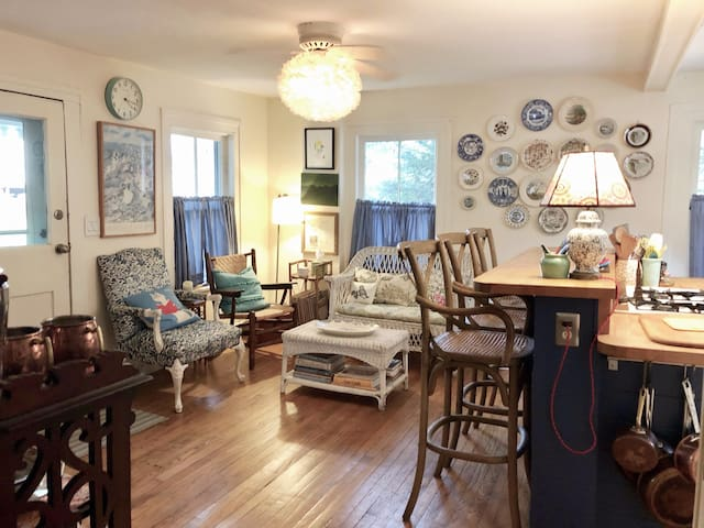 Charming, comfortable 1830's house