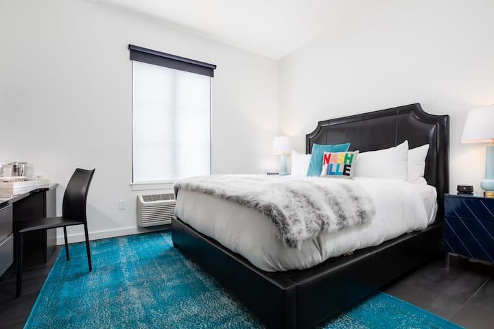 121 Hotel | Jurny | Touchless Vanderbilt Studio