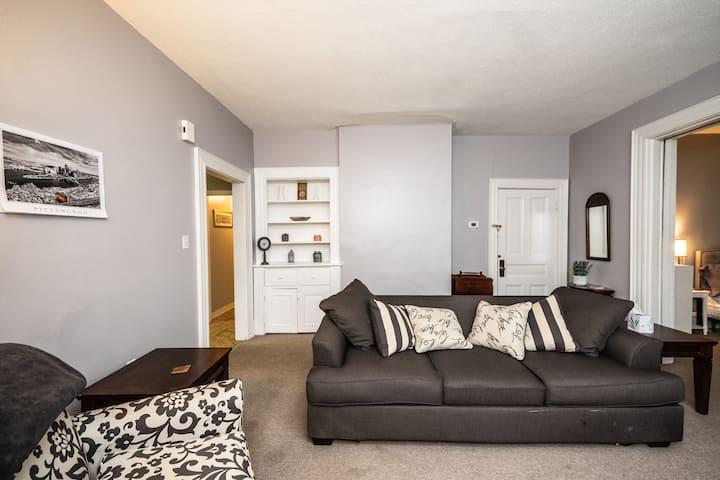 Cozy Mt Washington Apartment