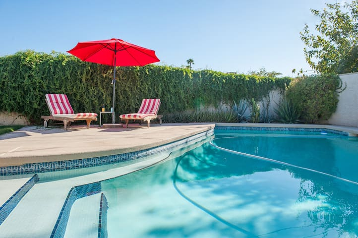 Cactus Rose: Private Casita w/Pool in Old Town
