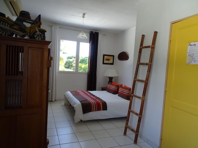 Chambre Coco avec salle de bains privative