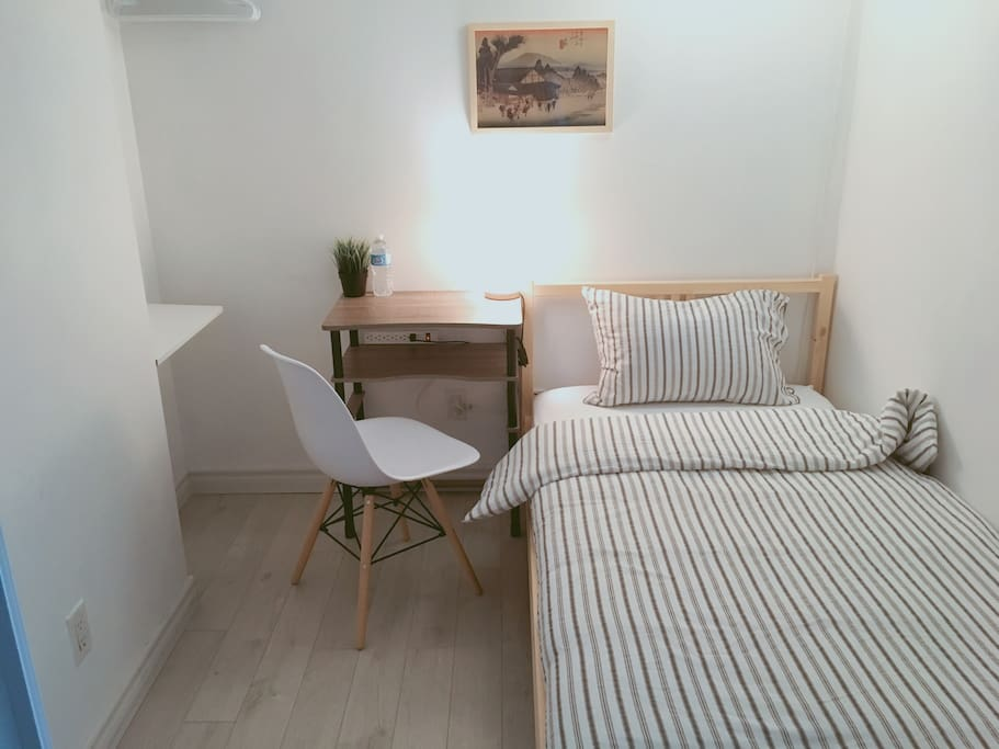 Cozy little bedroom (den with doors and air conditioning)