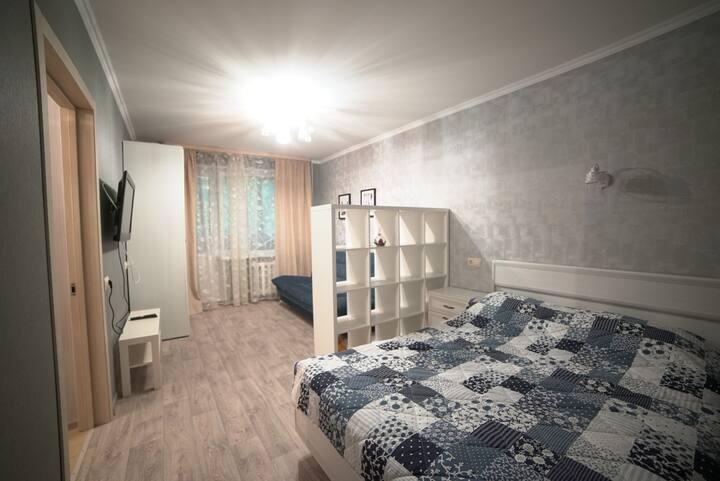 Уютная двухкомнатная квартира в центре города.
