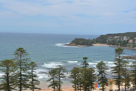 Manly Beach Breeze - Manly