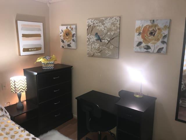 White Diamond Room showing brand new dresser and desk