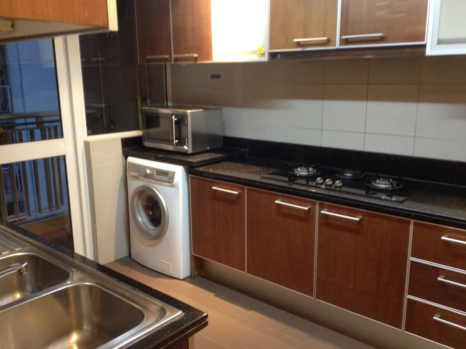 Fully equipped, modern and advanced kitchen.