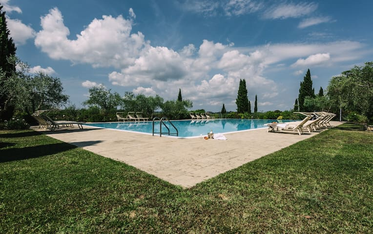 Apartament with swimming pool !