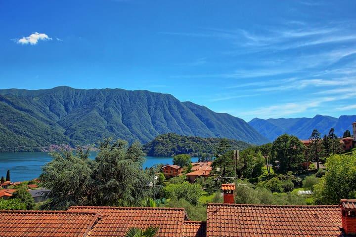 Villa Chloe Lake Como Stunning View - Tremezzina - Villa