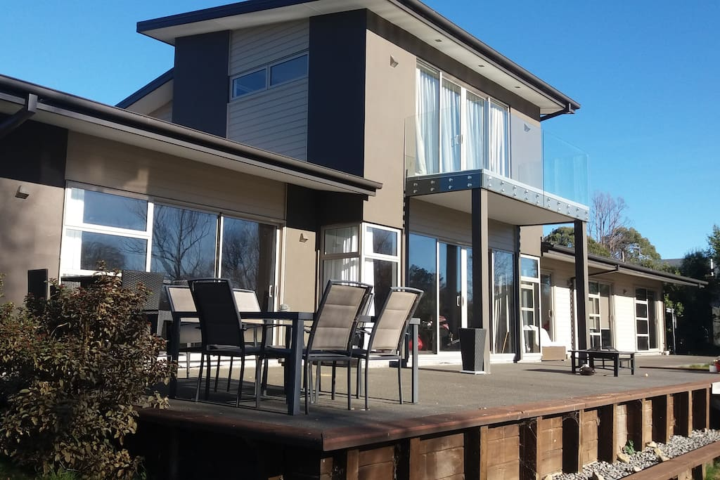 the lake house h user zur miete in kaiapoi canterbury. Black Bedroom Furniture Sets. Home Design Ideas