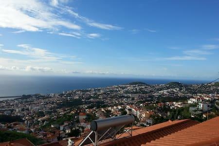 Casa Branca Funchal - ฟุงชาล - บ้าน