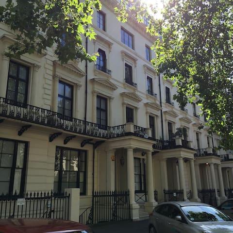 3DB central & spacious garden flat