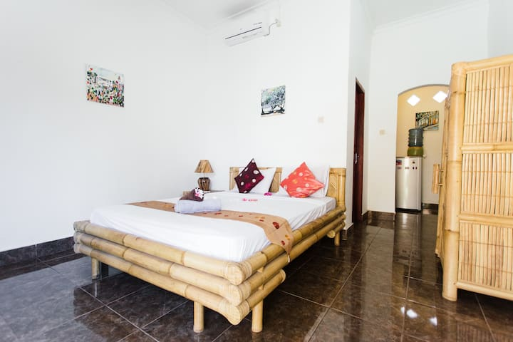 Quiet Location & Value for Money! 1 - Gili T - House