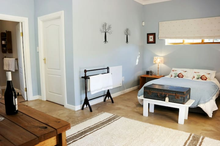 Spacious room in a country home - Barrydale - Casa