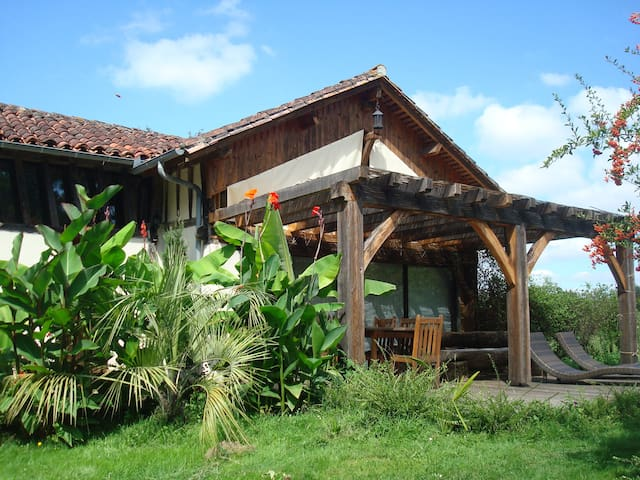 Authentic Cottage Zen Park 1ha - Landes d'Armagnac - Lacquy - บ้าน
