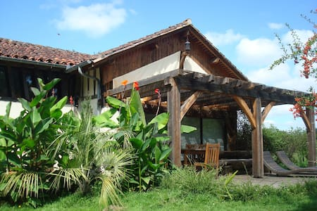 Authentic Cottage Zen Park 1ha -Landes d'Armagnac - Lacquy - Huis