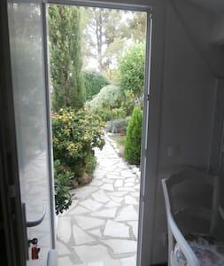 chambre d'hôtes à sanary/mer - Sanary-sur-Mer