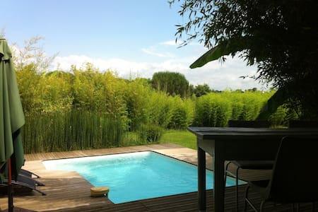 Gîte charme spacieux avec piscine et jardin privés - Labastide-Villefranche - Ház