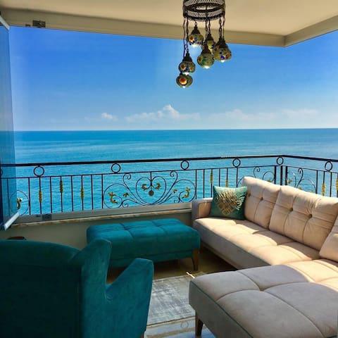 Trabzon Sea Pearl 4+1 Superior Sea View Suit