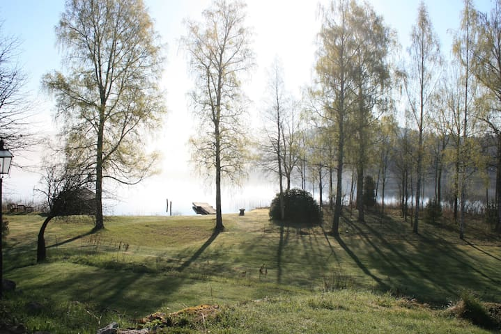 Lovely house on beautiful private lakeside estate! - Jönköping N